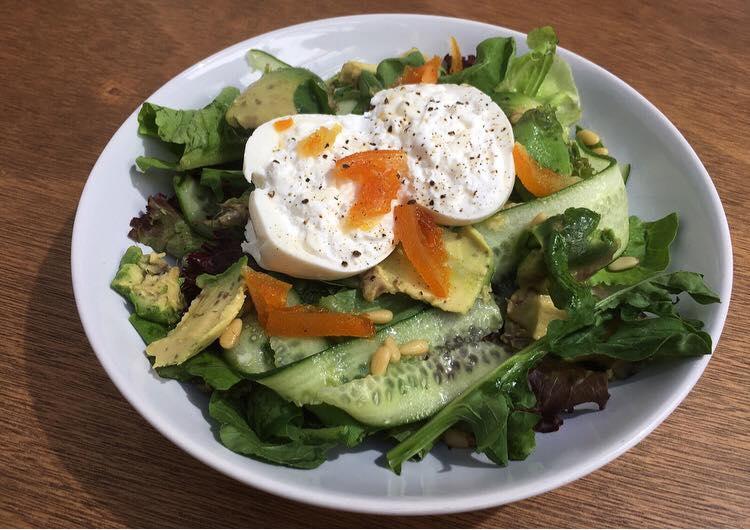 e8148c40d9e Το πρώτο πράγμα που σου έρχεται στο μυαλό όταν σκέφτεσαι brunch είναι το  Cookhouse. Τα pancake με τυρί μασκαρπόνε αλλά και τα eggs benedict  αποτελούν πια ...
