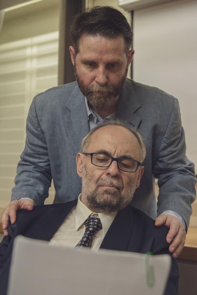 Η κωμωδία «Το δάνειο» του Τζόρντι Γκαλθεράν με Σωτήρη Χατζάκη και Δημήτρη  Μυλωνά | Check In Cyprus