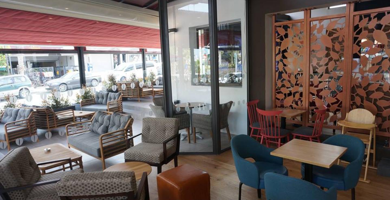 a1f5411396b Δημοφιλής αλυσίδα καφέ, ανοίγει νέο κατάστημα δίπλα στη θάλασσα | Check In  Cyprus